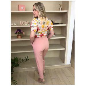 Blusa meia manga bufante floral com detalhe franzido