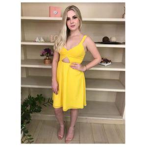 Vestido de festa amarelo, com alça larga