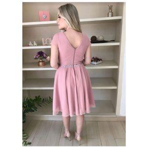 Vestido curto godê rosê, com pedraria bordada