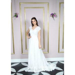 Vestido de noiva com manga bordada com mini pérolas