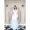 Vestido de noiva sereia, com renda soutache aplicada, manga longa com aplicação, na cor branca e saia de tule