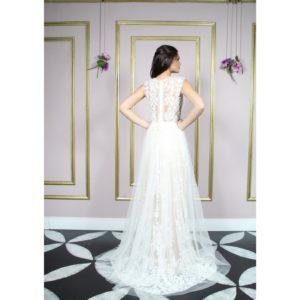 Vestido de noiva com renda arabesco bordada, cor de pele