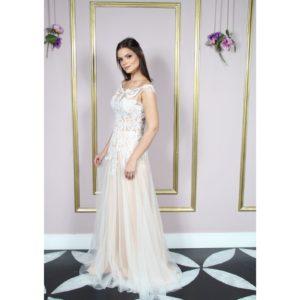 Vestido de noiva ombro à ombro semi sereia e saia de tule