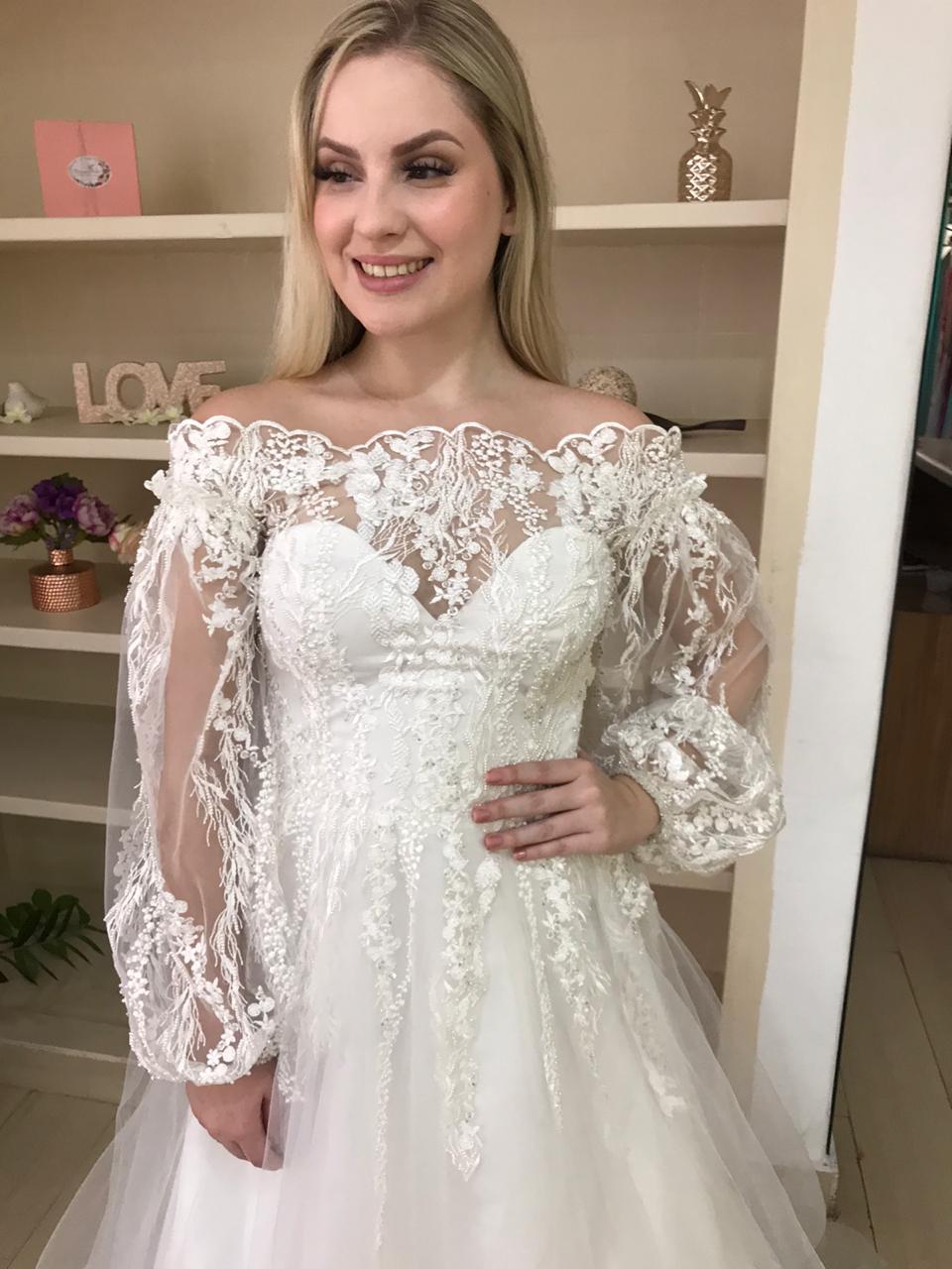 O mais lindo vestido de noiva tem que ser o seu