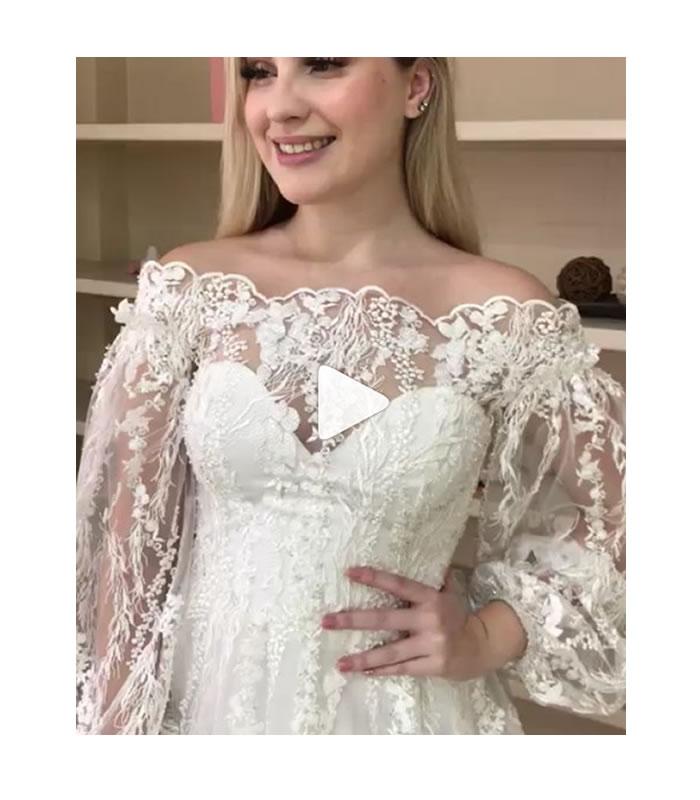 Este vestido de noiva é uma releitura dos anos 80